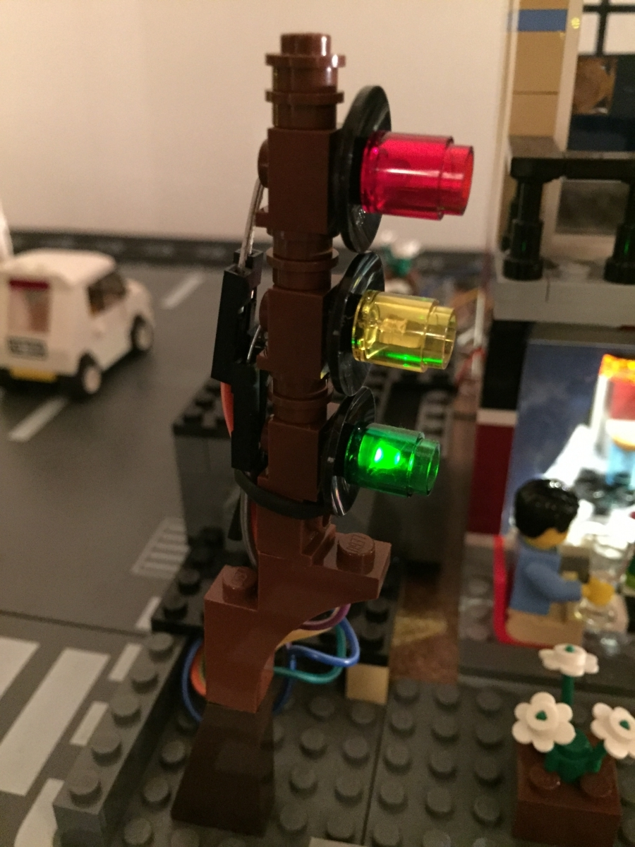 Traffic Light Sequence >> Traffic Signal - LED Sequence - Internet of LEGO