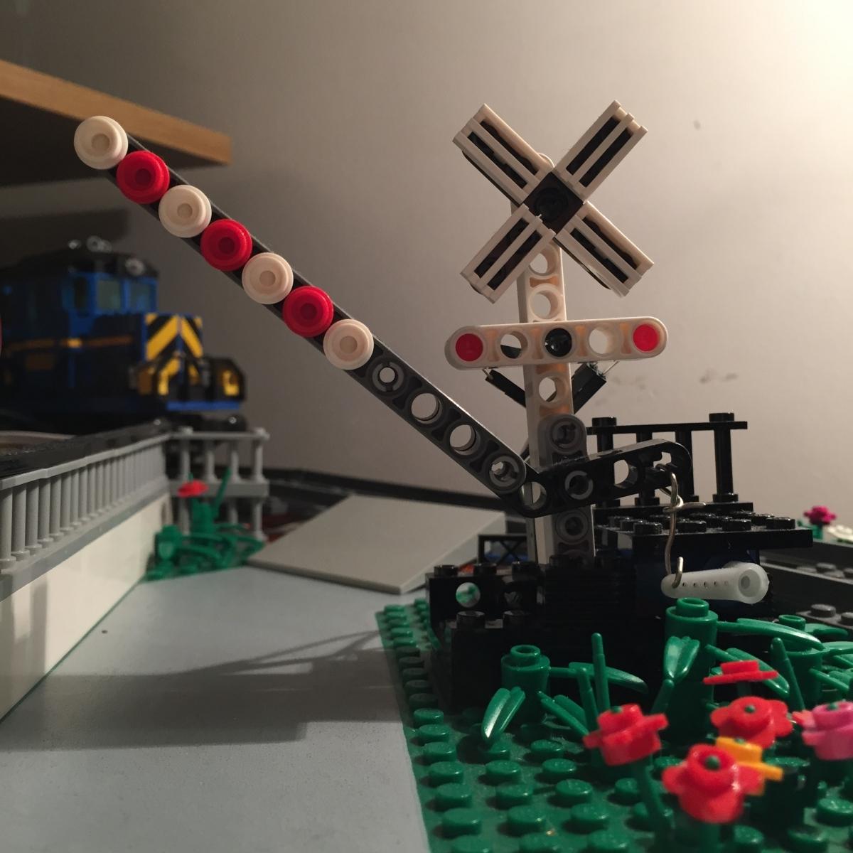 Train Crossing Sensor Servo And Leds Internet Of Lego